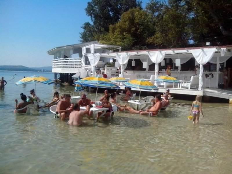 Воден бар Текила