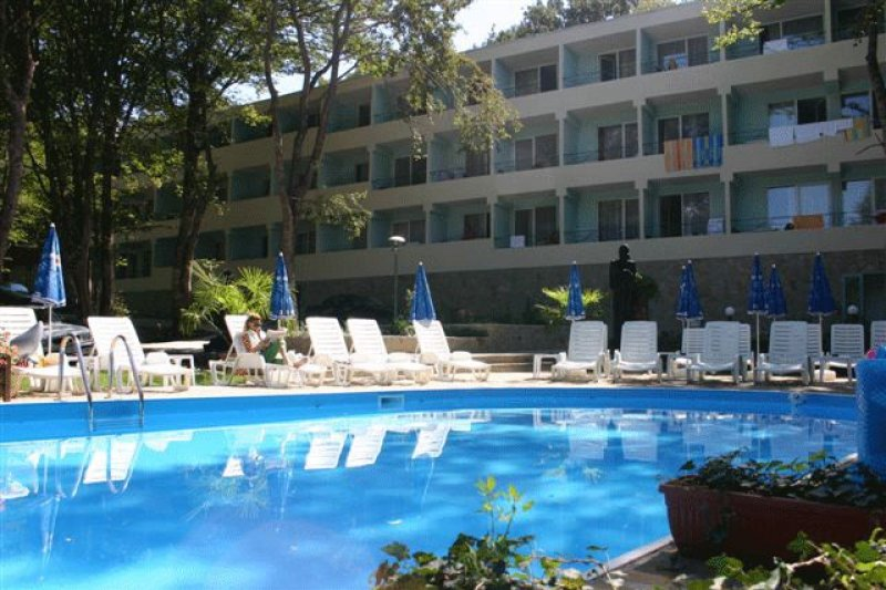 Хотел Ариана